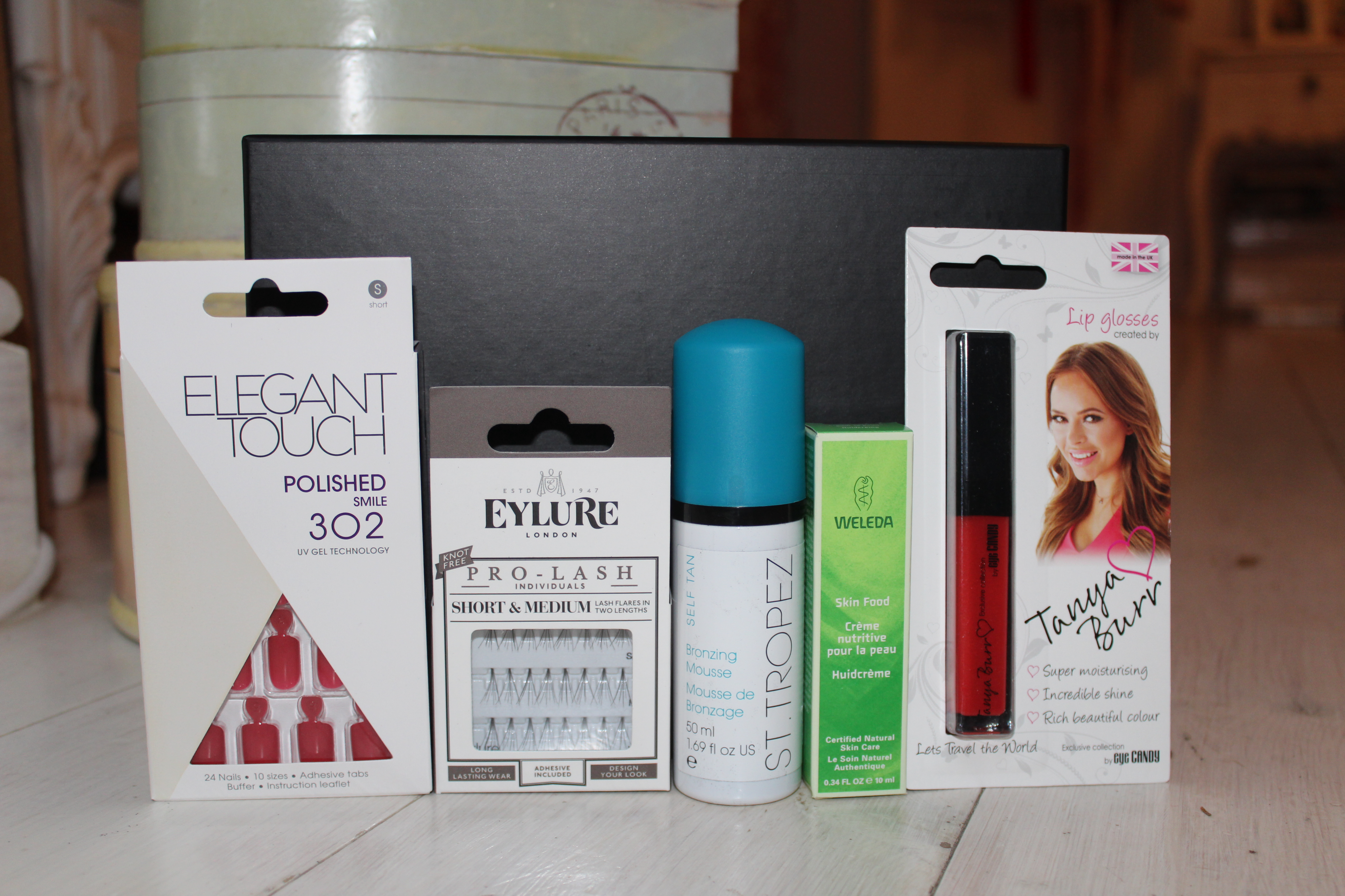 The Hut Beauty Box January 2015 Review