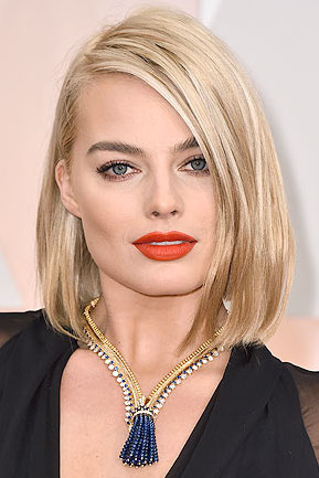 How to get Margot Robbie's Oscar Look at Home!